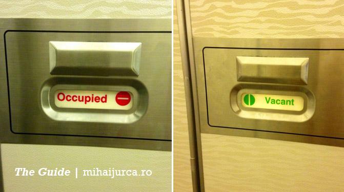 cum-se-deschide-toaleta-avion-1
