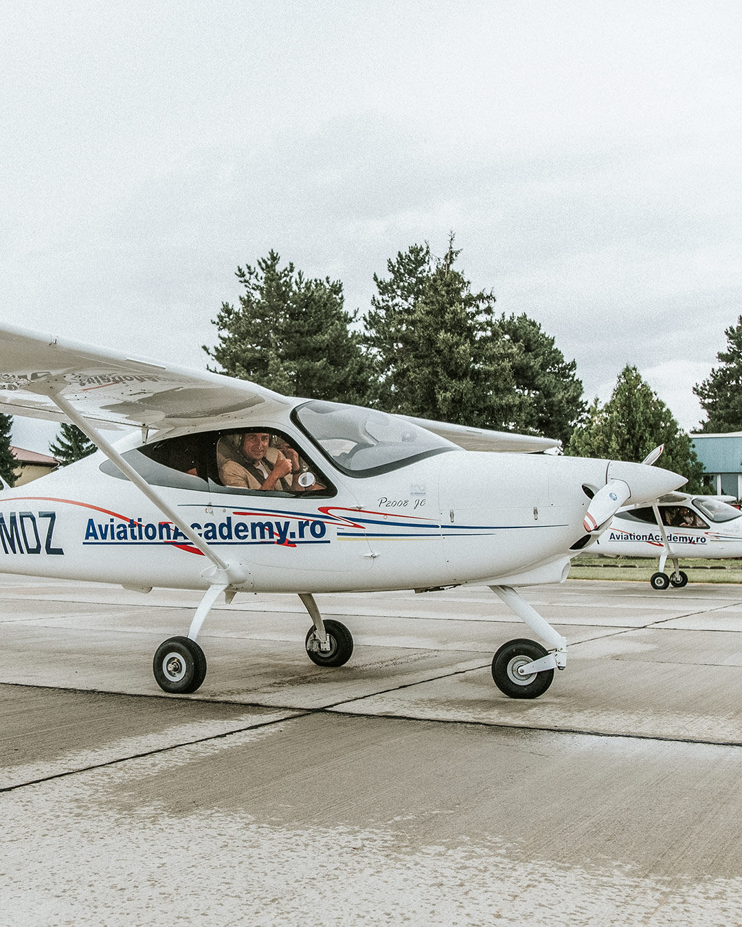 jurca-avion-2